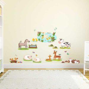 Kinderzimmer Wandtattoo bunte Feldtiere Wohnansicht2